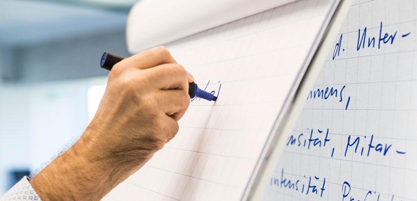 Financial Governance: Arbeiten mit Praxisbeispielen